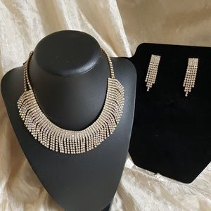 Matching necklace, earring set
